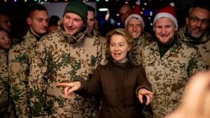 Verteidigungsministerium will Polen, Italiener und Rumänen anwerben