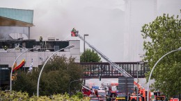 Verkehr rollt wieder nach Brand in Rheingoldhalle