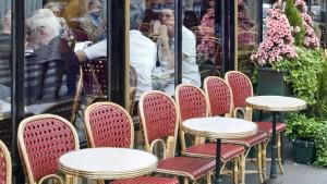 Auch in Paris lädt der Mai zum Verkaufen ein