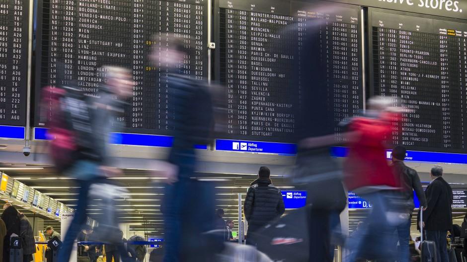Flug oder Zug: LH3512 nach Köln Hauptbahnhof bringt die Passagiere auf der Schiene ans Ziel.