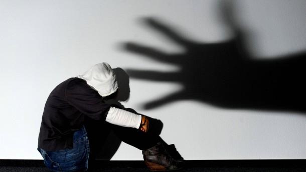 Forschung über unverheiratete Teenager Eltern