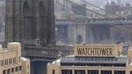 Zeugen Jehovas verkaufen ihr Hauptquartier