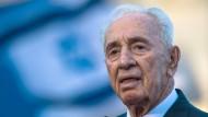 Schimon Peres nach Schlaganfall im Krankenhaus