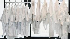 30 Euro für zerrissene Pullover und befleckte Hosen