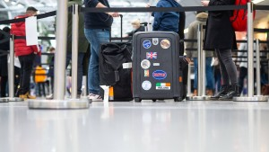 Bundesregierung dämpft Hoffnung auf zügige Reisefreiheit für Geimpfte