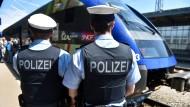Die Polizei kann zwar stichprobenartig kontrollieren, direkt zurückweisen können sie illegal Einreisende aber nicht.