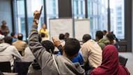 IG Metall schlägt Integrationsjahr für Flüchtlinge vor