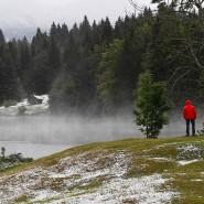 In Garmisch-Patenkirchen ist nach einem Temperatursturz der erste Schnee gefallen.