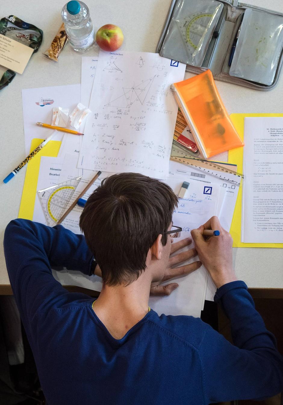 Fast 200 Schüler haben 2017 beim Bundesfinale der Mathe-Olympiade in Bremerhaven teilgenommen.