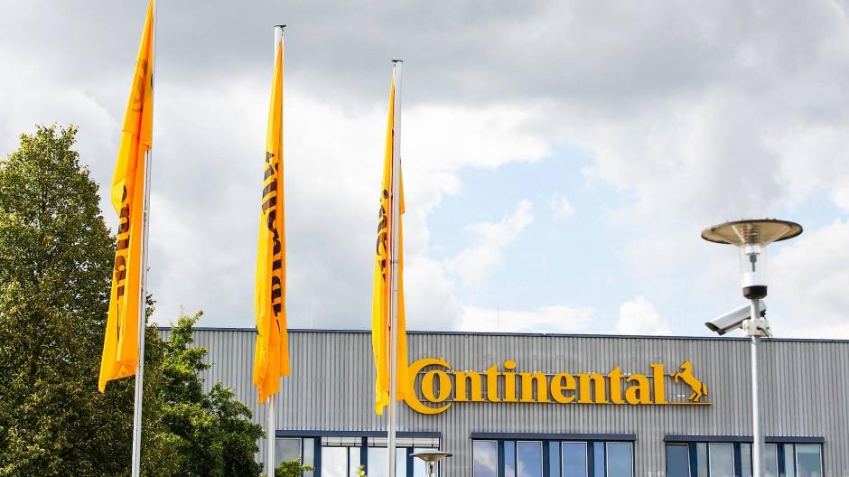 Mehr Zeit für Karben: Der Continental-Konzern hatte ursprünglich angekündigt, allein in Hessen mehr als 4000 Stellen abzubauen.