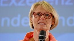 Opposition will Antworten von Karliczek