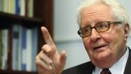 Der SPD-Politiker Hans-Jochen Vogel, aufgenommen in Berlin 2008, ist am 26. Juli 2020 gestorben.