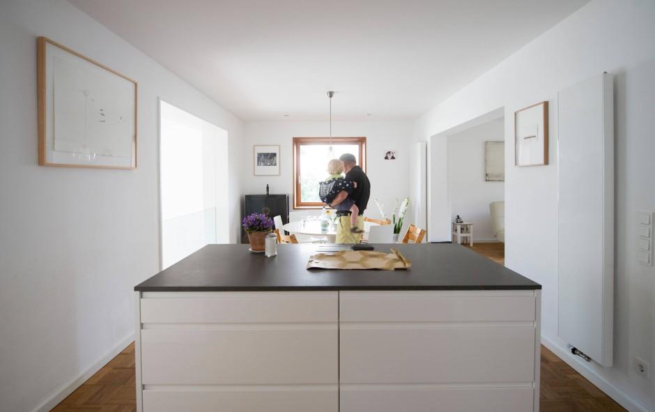 bilderstrecke zu serie neue h user wie man ein haus aus den 50ern renoviert bild 6 von 13. Black Bedroom Furniture Sets. Home Design Ideas