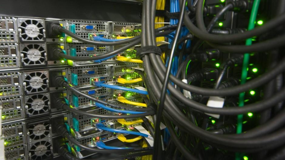 Hardware: Mittlerweile stehen ausreichend viele Server für das Schulportal Hessen zur Verfügung.