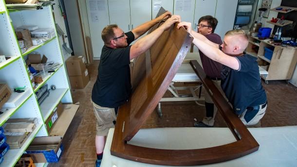 Neue Tür für Synagoge in Halle wird eingebaut