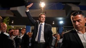 Mitsotakis kündigt Steuersenkungen an