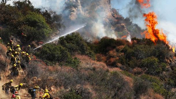 Heftiger Waldbrand in Südkalifornien