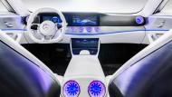 """Mercedes-Benz """"Concept IAA"""": Daimler erhöht seine Dividende besonders stark."""