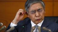 Sorgen aufgrund des negativen Zinses? Der Gouverneur der Bank von Japan Haruhiko Kuroda auf einer Pressekonferenz im Hauptquartier in Tokio.