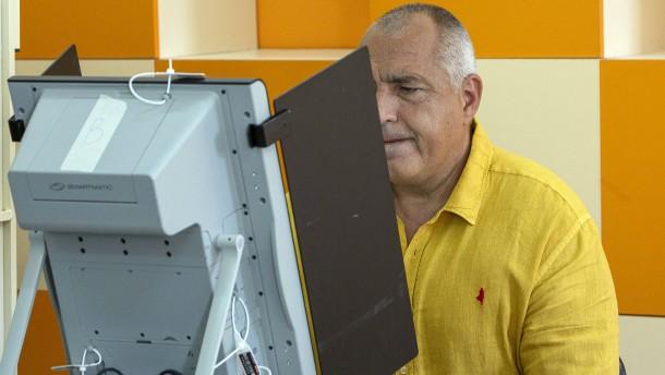 Neue Prognosen zu Bulgarien-Neuwahl sehen Populisten vor Borissow