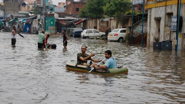 190 Menschen sterben bei Monsun in Indien