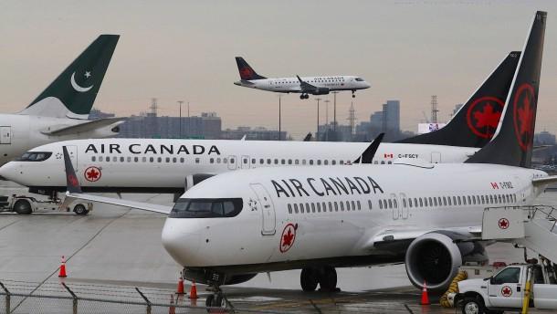 Crew vergisst Passagierin im Flugzeug