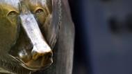 Schaut der Bär vor der Frankfurter Börse besorgter als sonst?