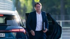 Linke stellt Scheuer als Verkehrsminister infrage