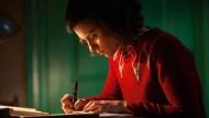 """Sie schrieb sich erwachsen: Rosa Da Silva als Anne Frank in Leon de Winters und Jessica Durlachers """"Anne"""", uraufgeführt in Amsterdam"""