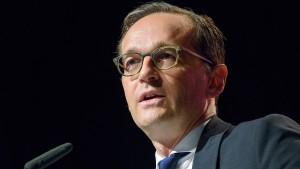 Maas will schärfere Regeln für Kinderehen