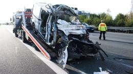 Drei Menschen sterben bei Unfällen auf A2