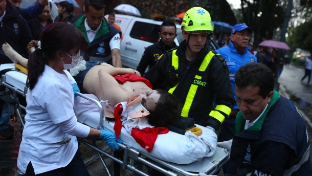 Tote und Verletzte bei Explosion in Einkaufszentrum