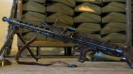 Bundeswehr verpackt Gewehre, Pistolen und Panzerfäuste