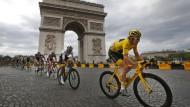 Geraint Thomas während der letzten Etappe vor dem Triumphbogen in Paris.