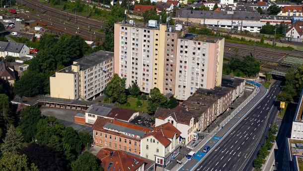 42 Jahre alter Mann stirbt in Göttinger Wohnkomplex