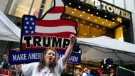 Laute Unterstützung für Trump in Manhattan