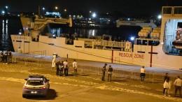 Italien will Flüchtlingsschiff anlegen lassen