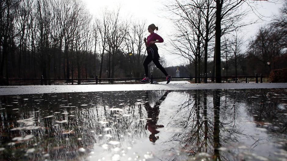 Allein joggen gehen? Unsere Autorin macht das nur bei Tageslicht (Symbolbild).