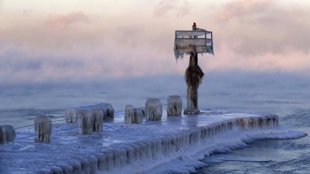 Eiseskälte lässt Amerikanern den Atem gefrieren