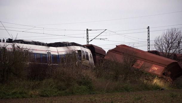 Personenzug hätte Gleisabschnitt nicht befahren dürfen
