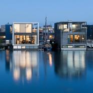Drei bereits realisierte Wasservillen im Stadtteil IJburg von Amsterdam