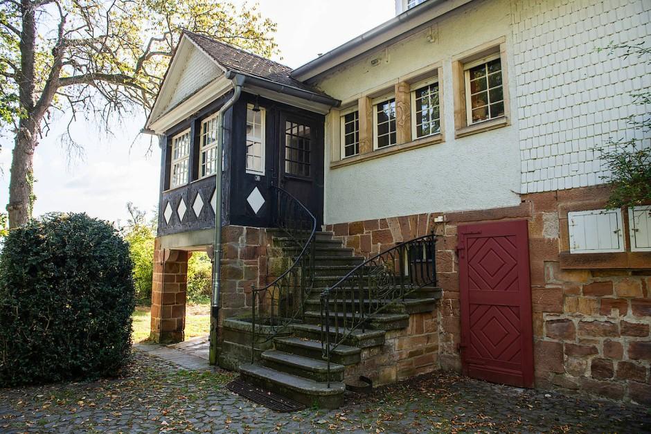 Das ehemalige Wohn- und Arbeitshaus des Landschaftsmalers Otto Ubbelohde wurde im Jahr 1900 gebaut.