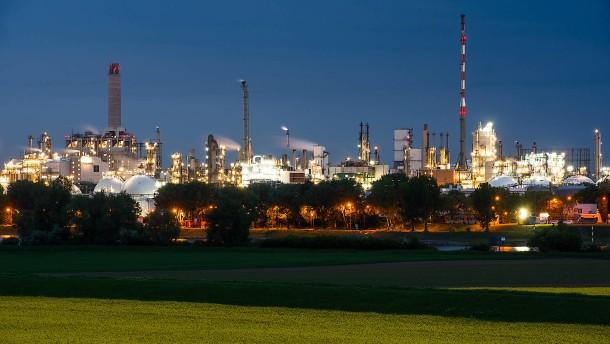 BASF macht deutlich weniger Gewinn