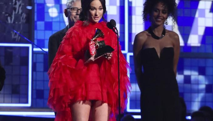 Der Grammy für das beste Album geht an die Country-Sängerin Kacey Musgraves.