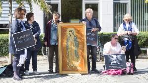 Kampf gegen Mahnwachen vor Pro Familia geht weiter