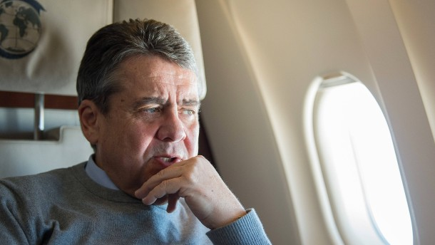 "Gabriel nennt Nahles-Rückzug ""großen Verlust"""