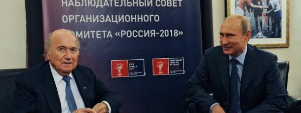 Man tut sich nicht weh: Fifa-Chef Sepp Blatter und Kremlchef Putin bei Gesprächen in Moskau