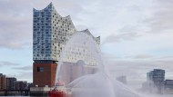 Wohnen in der Elbphilharmonie wird teurer: Eine der Wohnungen kostet 11 Millionen Euro.