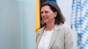 Aigner geht juristisch gegen AfD-Abgeordneten vor