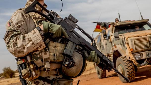 Mindestens 15 Soldaten bei Anschlag in Mali getötet
